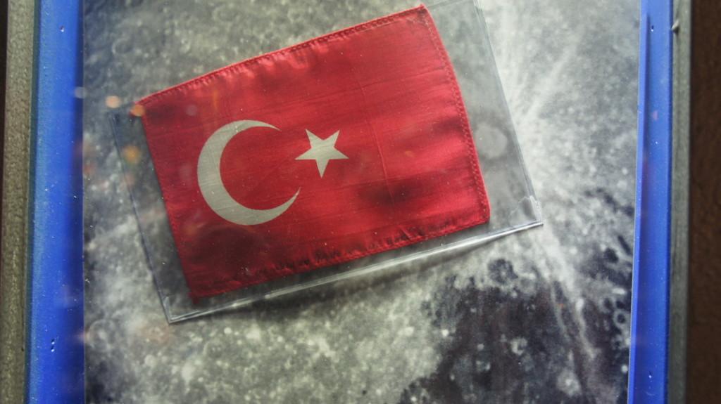 Uzaya giden ilk Türk Bayrağı